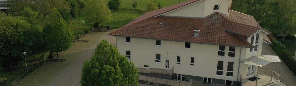 Gemeindehaus von oben